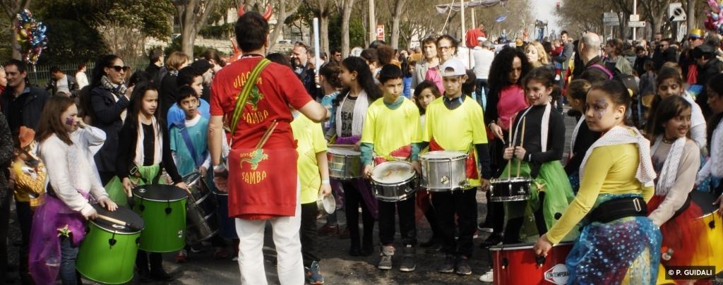 Des ateliers percussions avec Viagem Samba